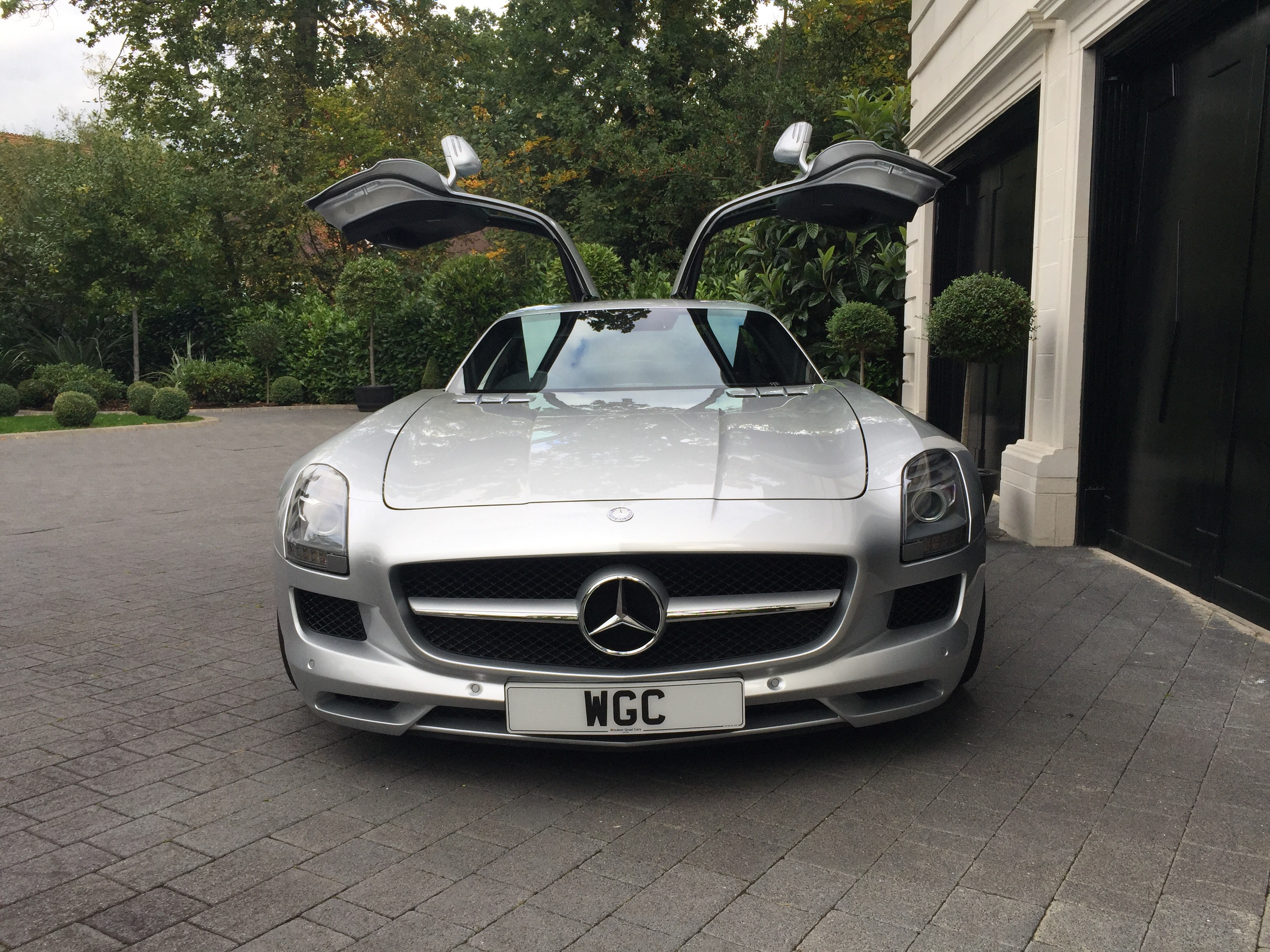 Mercedes benz sls amg windsor great cars for Is a mercedes benz a good car